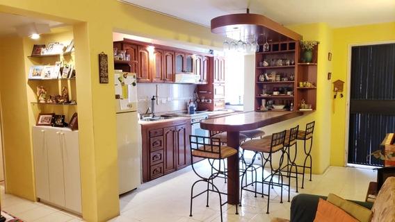 Se Vende Apartamento Las Chimeneas, Res. Pedregal Valencia