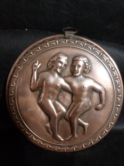 Quadro Antigo De Bronze