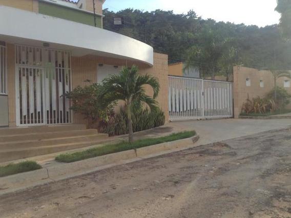 Townhouse En Venta El Parral Joel Thielen 19-2568