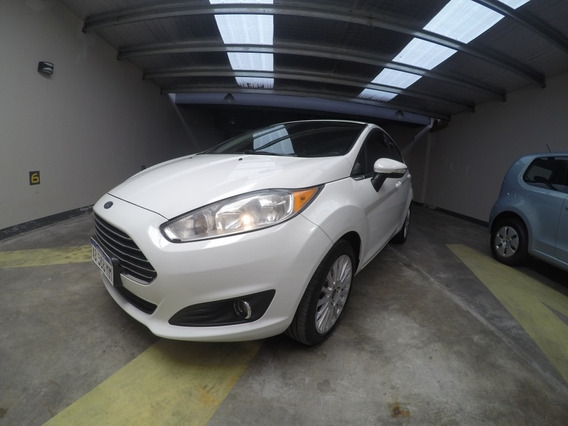 Ford Fiesta Titanium 1.6 Manual Blanco 2017 Impecable