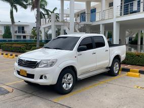 Toyota Hilux Sencilla 2014