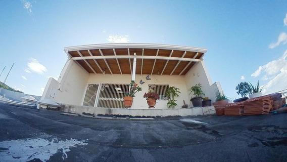 Casa En Venta Barquisimeto 19-18420 Rb