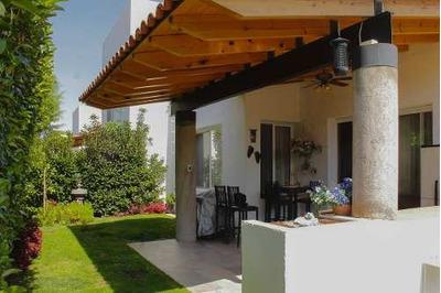 Casa En Lomas Del Campanario, En Venta