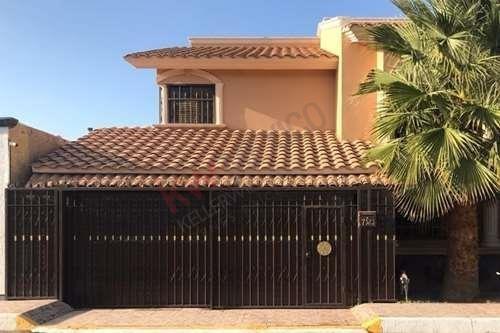 Renta Casa Amueblada ($35,000), Sobre Paseo De Los Virreyes (galerías Tec), 350mts De Construcción, 3 Recámaras, Fraccionamiento Privado