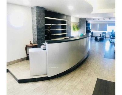 Se Arrienda Amplia Y Moderna Oficina En El Centro De Iquique, Ggcc Incluidos