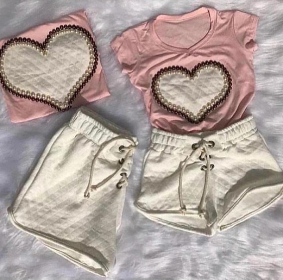 Conjunto Tal Mãe Tal Filha Shorts Matelasse Camiseta Coração