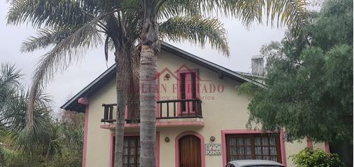 Casa En Dos Plantas Muy Luminosa En Alquiler Anual- Ref: 349
