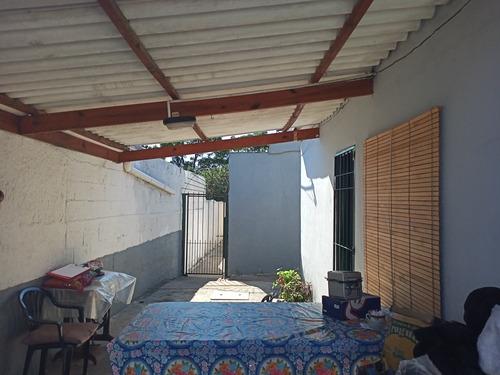 Apto.1 Dorm, Plachada,patio Semi-techado ,2 Baños Y Galpón.