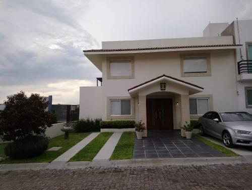 Casa En Condominio En Los Olvera Corregidora