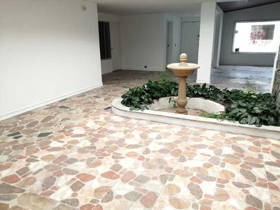 Casa Comercial En Alquiler Av. Santander