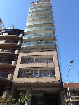 Excelente Departamento Barrio Sur Con Vista A La Plaza