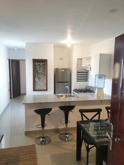 Ciudad Las Cayenas Bávaro Alquiler Amueblado 2 Dormitorios Primer Nivel Usd$550