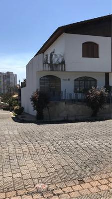 Em Vila Galvão