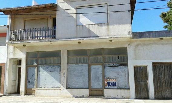 2 Locales + 2 Deptos Tipo Casa- Zona Centro - 71 Nº 86