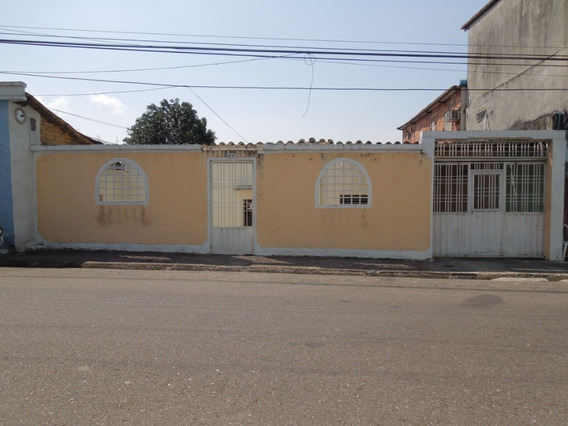 Casa De Oportunidad. Primera Vivienda (barrió Obrero)