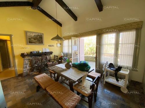 Casa De Tres Dormitorios En Venta En San Rafael-ref:30545
