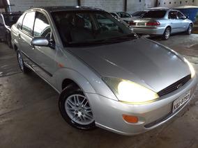 Focus Sedan 2.0 2002 - Financio Sem Entrada