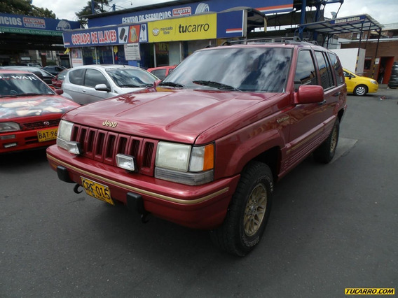 Jeep Grand Cherokee At 5200cc 4x4