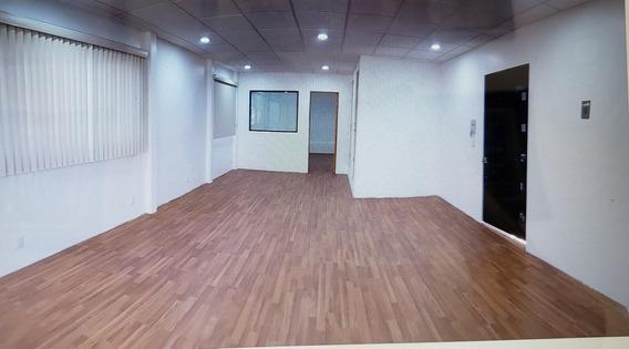 Bonita Oficina 65 M2 En 3 Piso Con 2 Balcones Y 2 Baños
