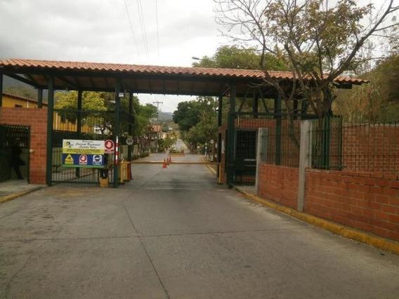 Casas En Venta Country Villas Guatire 20-12668 *