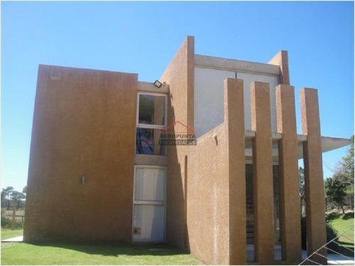 Casa En Rincã³n Del Indio, 3 Dormitorios *- Ref: 3948