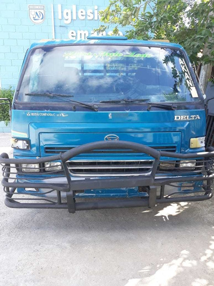 Camión Daihatsu Delta Cama Larga