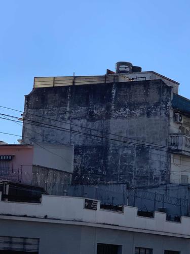 Imagen 1 de 9 de Muro Para Publicidad En Medianera Sobre Avenida Directorio