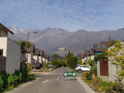 Imagen 1 de 9 de Casa Remodelada En Condominio Aliwen