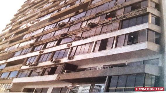 Apartamentos En Venta Playa Grande 18-15253 Rah Samanes