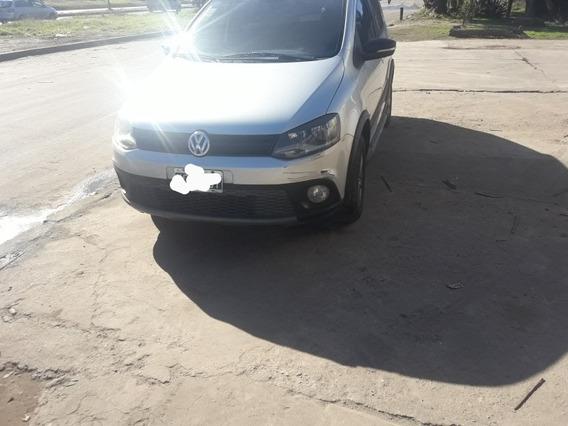 Volkswagen Suran Cross 1.6 Highline 101cv 2011