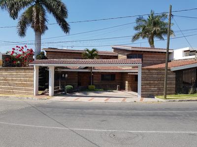 Casa En Venta Villas De Irapuato Remate !!!