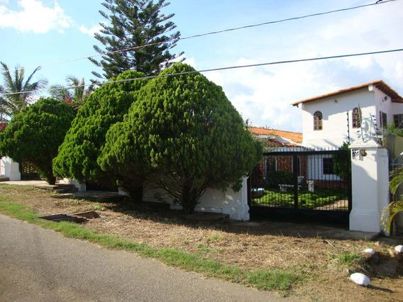 Casa En Venta En El Manzano