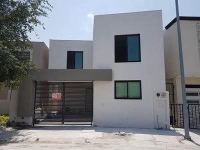 Casa En Venta En Mitras Poniente Sector Jordan En Garcia