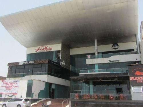 Centro Comercial En Venta Con Vista Al Mar