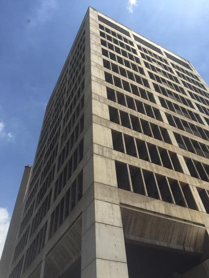 Excelente Oficina En Las Mercedes Alquiler Anais 20-14302