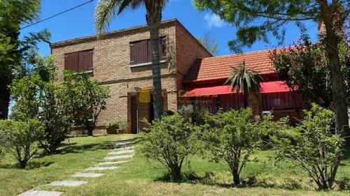 Casa Ph En Muy Lindo Barrio Entre California Park Y Jaurena- Ref: 3676