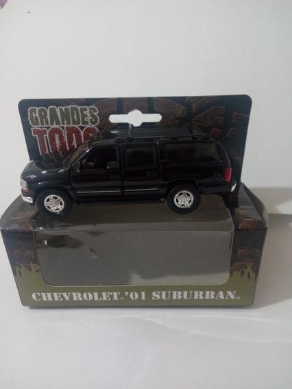 Welly Colección Todo Terreno Chevrolet Suburban 2001 1/36