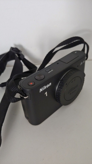 Câmera Nikon J1 + 02 Lentes 10-30mm/30-110mm