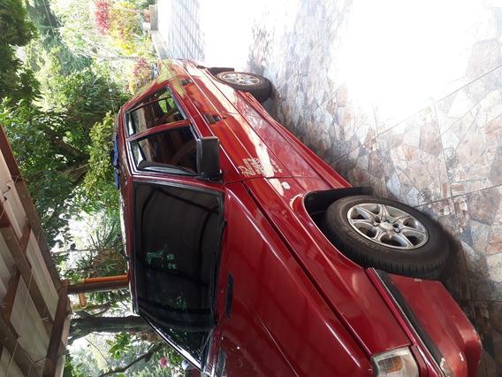 Renault 9 Brio Vinotinto 4 Puertas