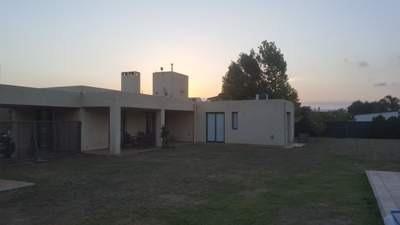 Alquiler Temporal Mensual-amoblada-country San Isidro-(villa Allende)
