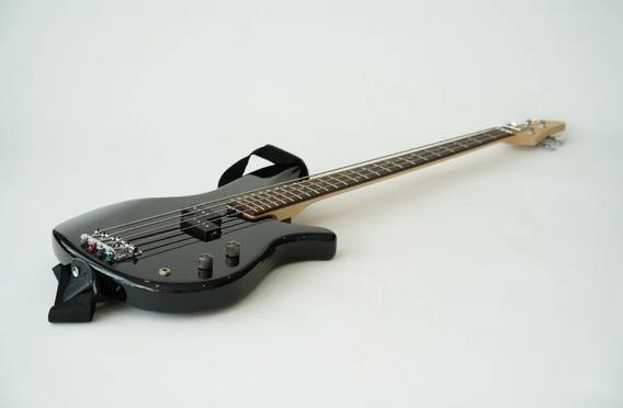 Bajo Yamaha Negro Erb070