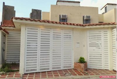 Acogedora Casa Altos De Copacabana Guarenas. Acepta Credito