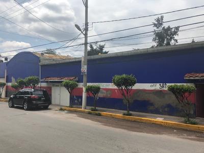 En Santa María Ticoman