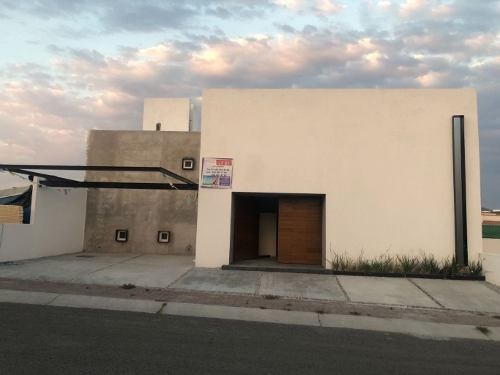 Se Remata Hermosa Residencia En Fracc Colinas De Juriquilla Qro Mex