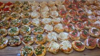100 Pizzetitas Vegetarianas - Cebolla, Napol, Choclo, Verdeo