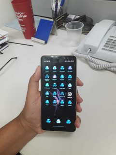 Smartphone Samsung Galaxy A8 Plus Dual Chip Android 8.1