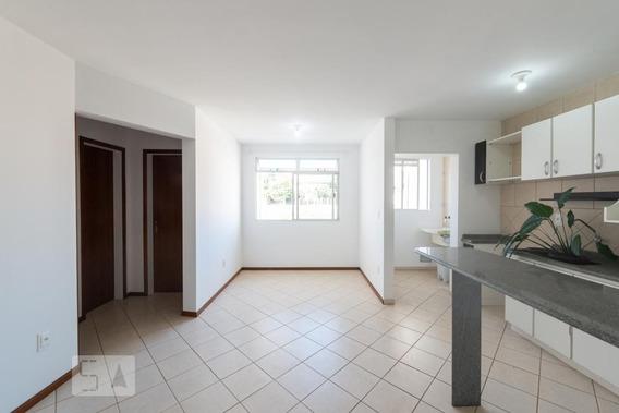 Apartamento No 4º Andar Com 2 Dormitórios E 1 Garagem - Id: 892950356 - 250356