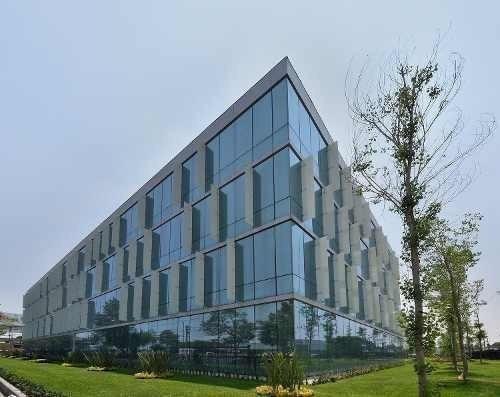 Oficina En Renta Tlanepantla Piso 1 Con 1,700 M2 Centrumpark