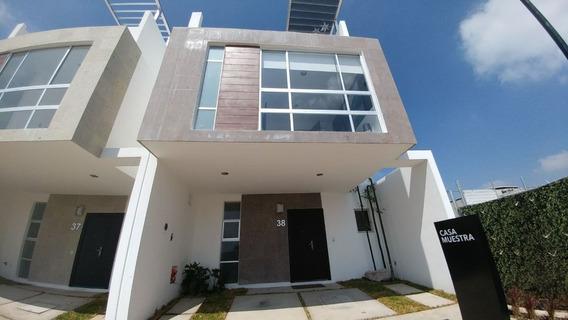 Hermosa Casa En Cañadas Del Lago, 3 Recámaras, 2.5 Baños, Roof Garden, Alberca!!