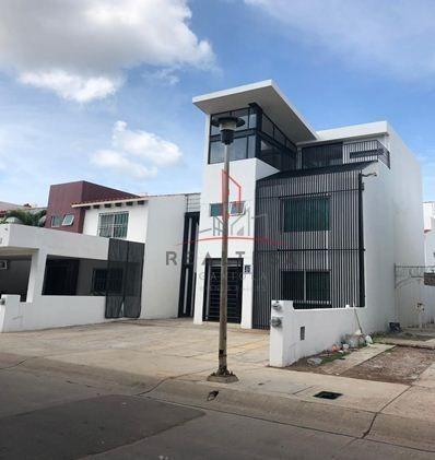 Casa Para Oficinas O Negocio En Renta 3 Ríos Culiacan 12,900 Fraara Rg1